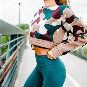 Sweaters - Balance athletica shirt / cropped sweatshirt